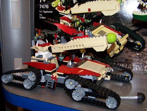 Dino Attack 7476 Car